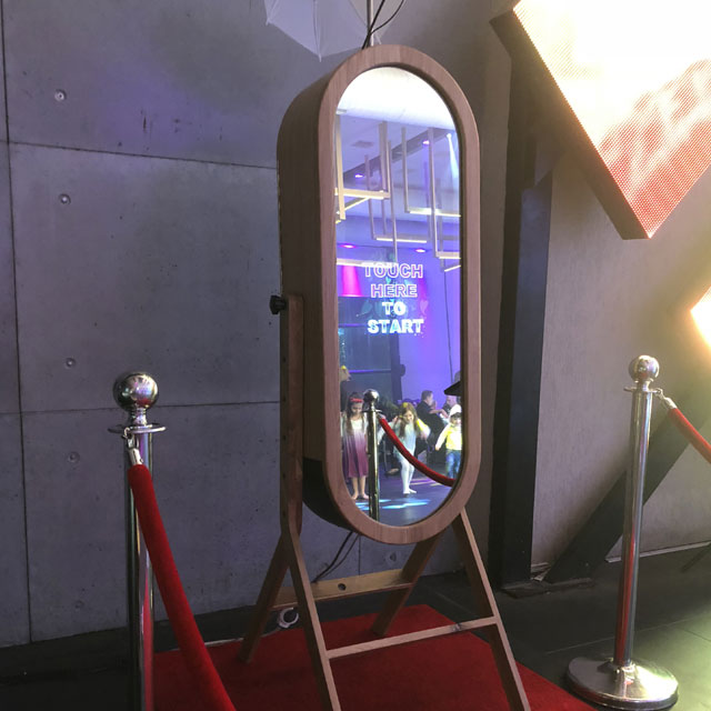Retro Mirror Booth Hire